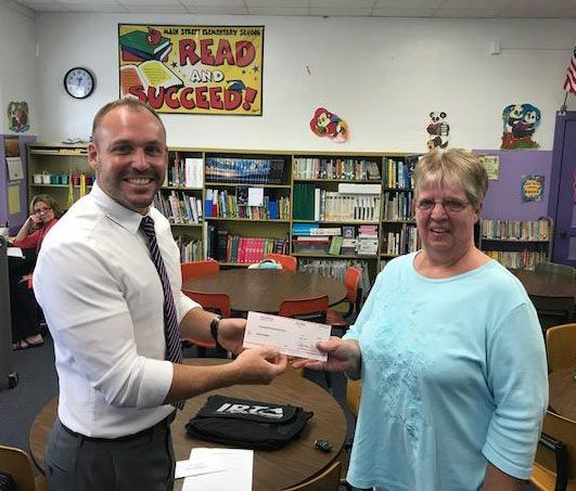 IL Retired Teacher Awarded IL Retired Teacher Association Grant $
